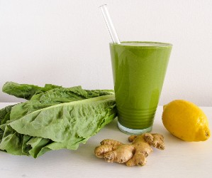 Avocado and flax (clean and green) stress relief smoothie.